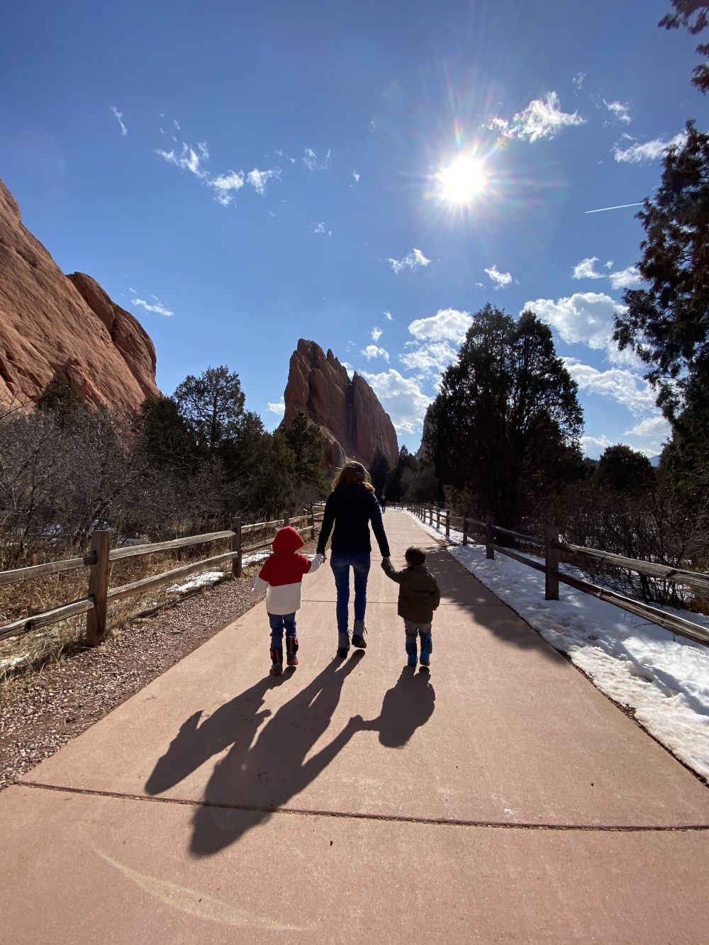 what-to-do-in-colorado-springs-with-young-kids-homegrown-houston-blog-sabrina-skiles-garden-of-the-gods-walking