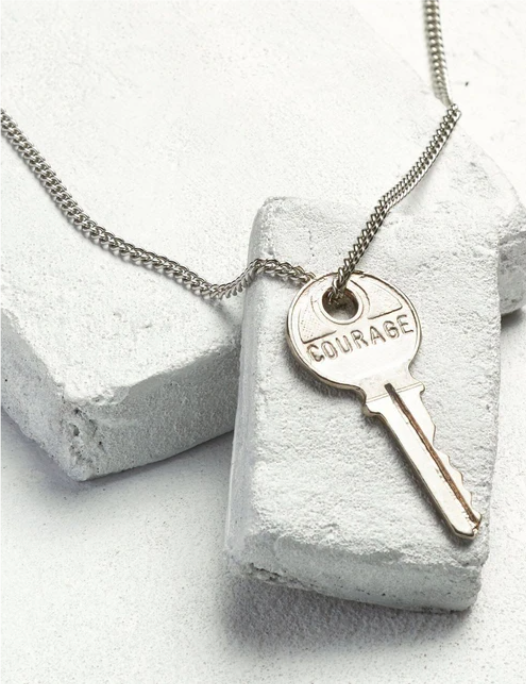 the-giving-keys-necklace-holiday-gift-guide-cancer-warrior-edition-what-to-give-someone-with-cancer-sabrina-skiles